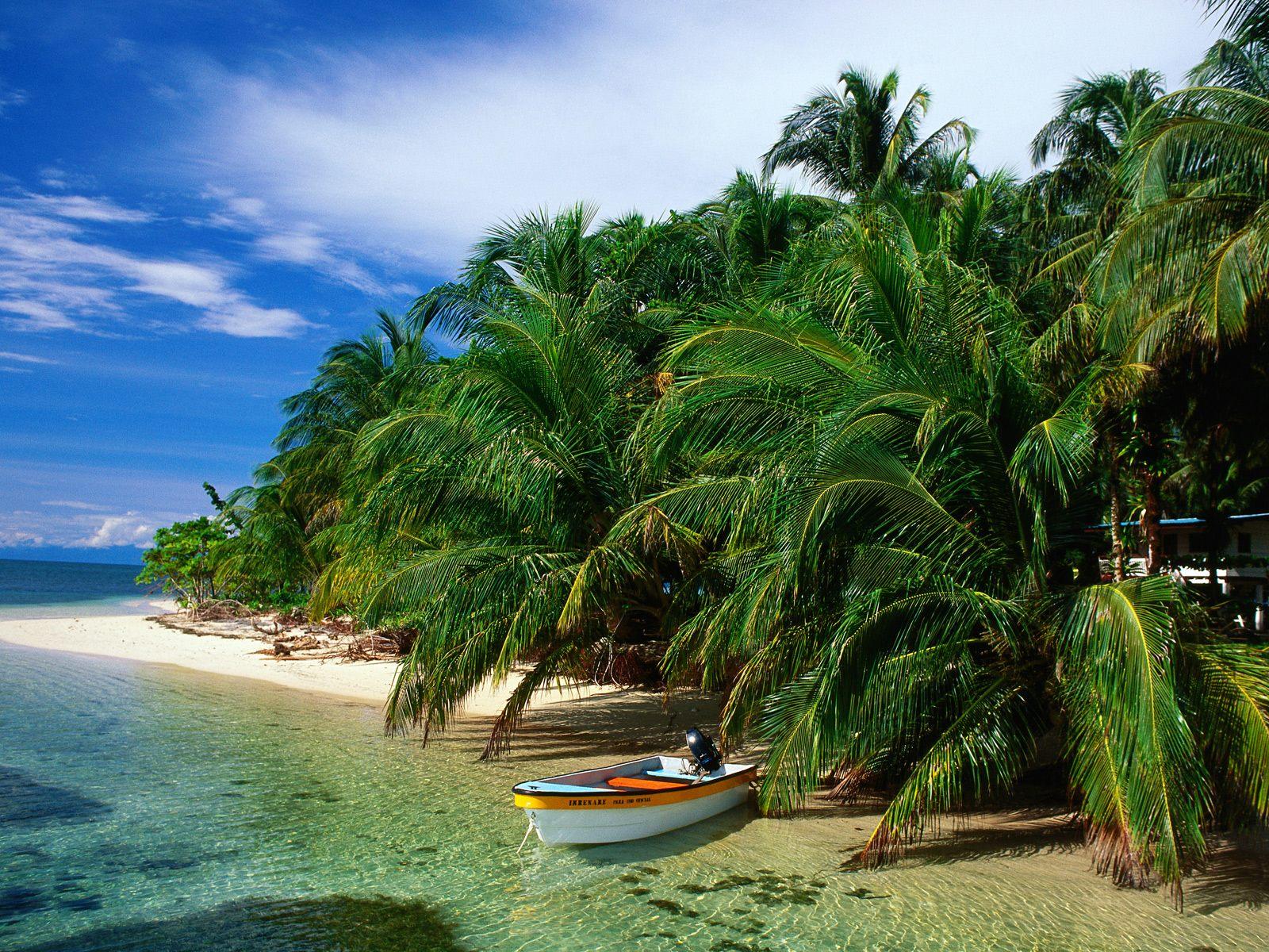 Cays_Zapatillas_Bocas_del_Toro_Panama.jp